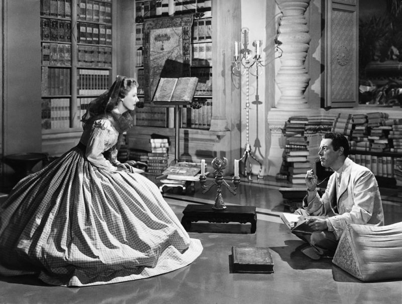 the king is not ordinary man true classics. Black Bedroom Furniture Sets. Home Design Ideas